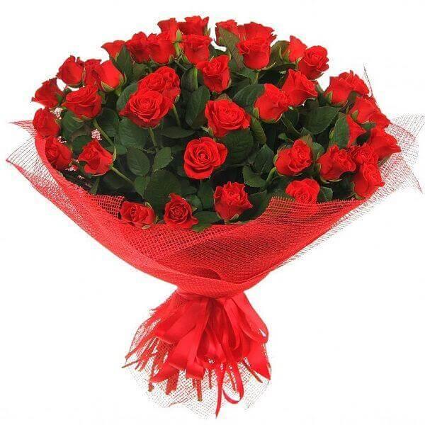 Įspūdinga raudonų rožių puokštė