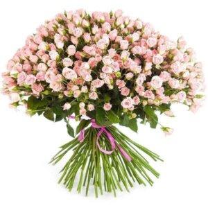 Smulkios rožytės gėlių puokštė
