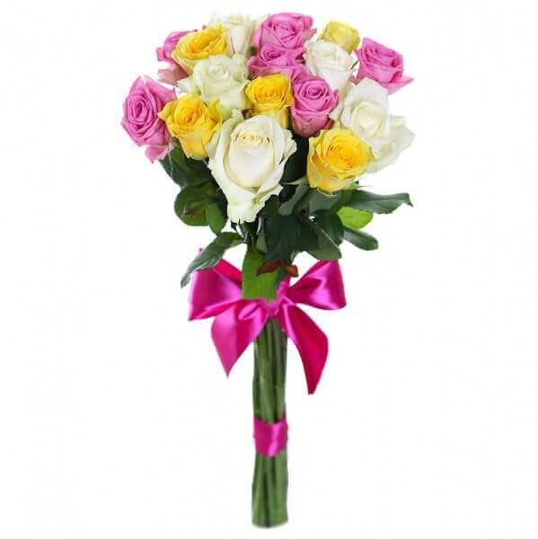 Spalvotų rožių puokštė