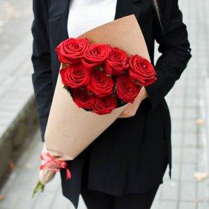 Rožių vokelis gėlių puokštė