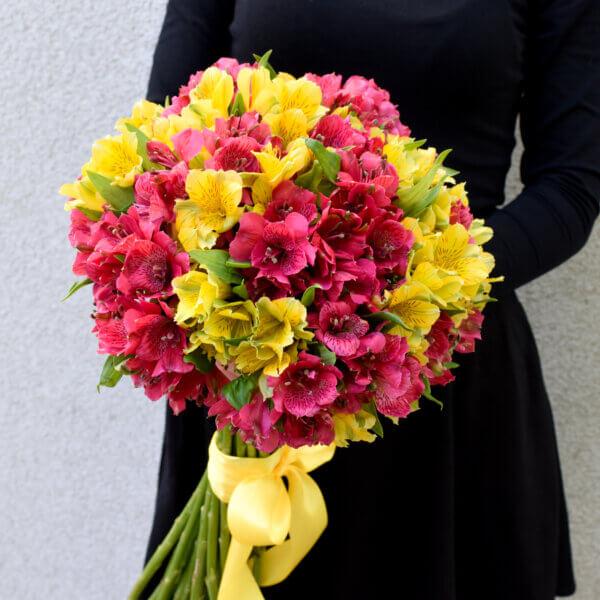 Alstromerijų puokštė gėlės moterims