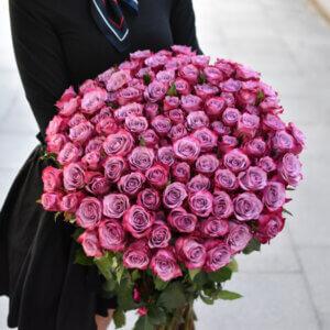Rožinių rožių puokštė