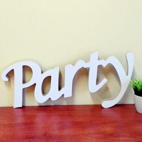 """Pastatomas žodis """"Party"""""""