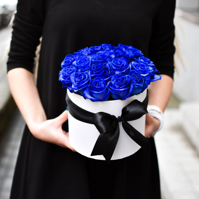 Mėlynų rožių dėžutė