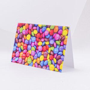 Atvirukas įvairiomis progomis su saldainiais