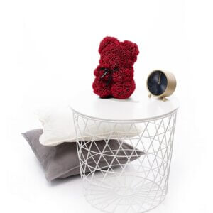 Rožių meškiukas burgundiškos spalvos dėžutėje