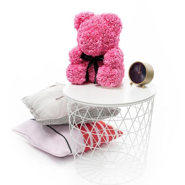 Didelis rožių meškiukas rožinės spalvos dėžutėje